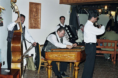 Gypsy music at Koliba - Tatra mountains entertainment