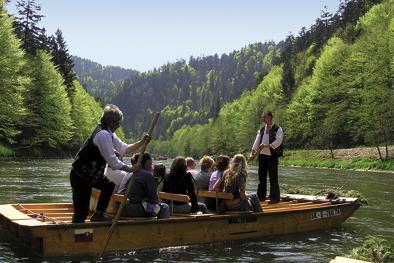 Dunajec wooden rafting